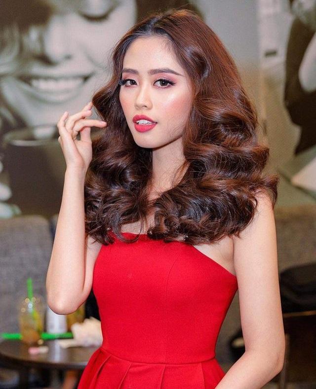 Đăng quang ngôi vị cao nhất của cuộc thi truyền hình thực tế dành cho MC, Lan Nhi khẳng định, năm 2018 là năm phát triển và để lại nhiều dấu ấn của lĩnh vực dẫn chương trình.