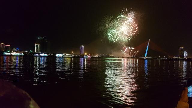 Đã Nẵng bắn pháo hoa kỷ niệm 22 năm ngày thành lập - 3