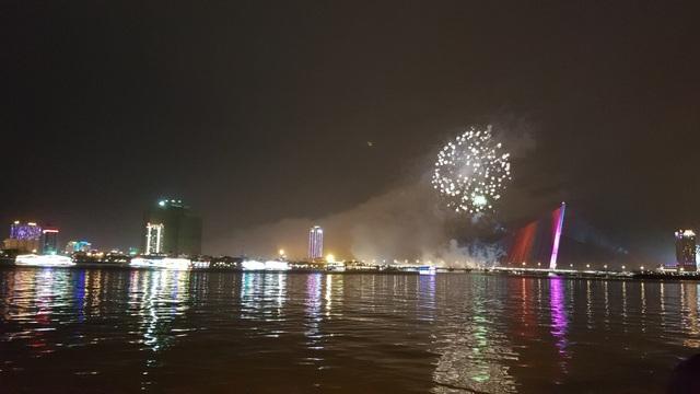 Đã Nẵng bắn pháo hoa kỷ niệm 22 năm ngày thành lập - 5