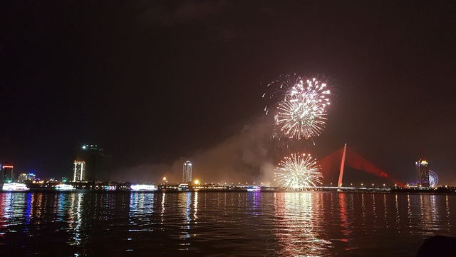 Đã Nẵng bắn pháo hoa kỷ niệm 22 năm ngày thành lập - 9