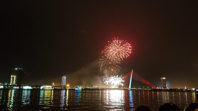 Đã Nẵng bắn pháo hoa kỷ niệm 22 năm ngày thành lập - 11