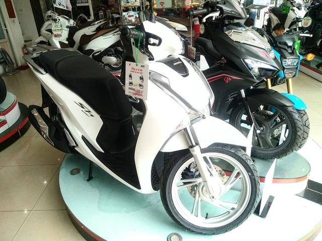 Honda SH liên tục tăng giá trở thành mẫu xe máy hot nhất Việt Nam