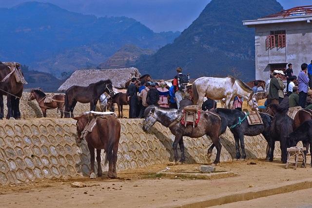Chợ phiên độc đáo ở vùng cao hút khách du lịch - 14