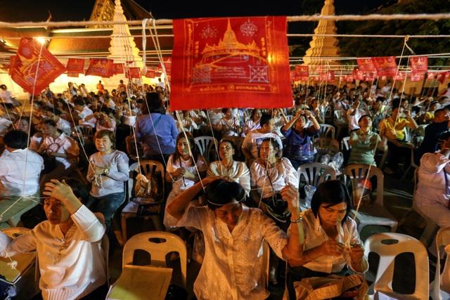 Người Thái Lan chuẩn bị những nghi thức đón năm mới tại thủ đô Bangkok. (Ảnh: Sky)