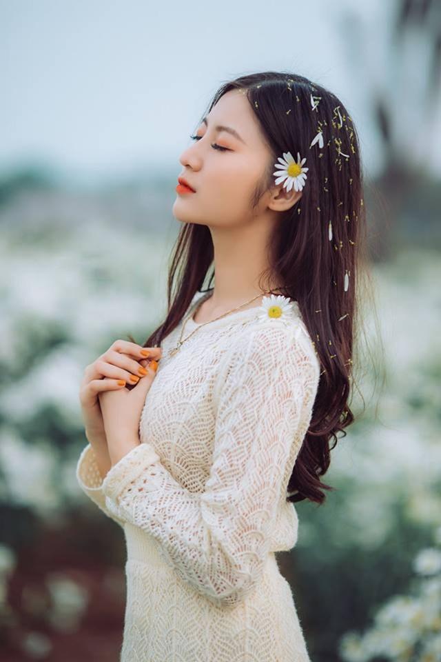 Thiếu nữ xứ Thanh đẹp dịu dàng trong bộ ảnh kỷ yếu - 11