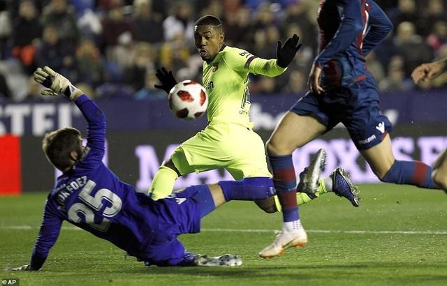 Vắng Messi, Barcelona thua sốc trước Levante - Ảnh 2.