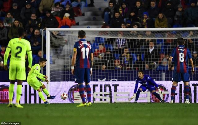 Vắng Messi, Barcelona thua sốc trước Levante - Ảnh 9.