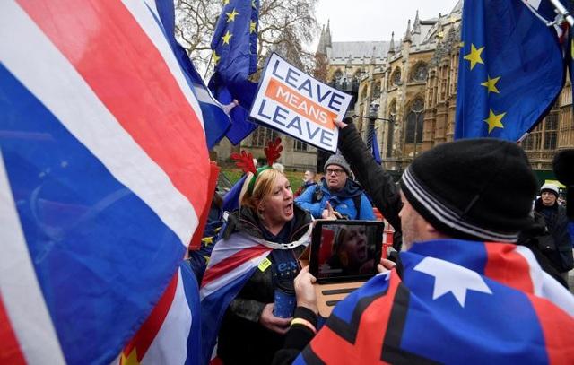 Người Anh xuống đường vì Brexit trước giờ G - Ảnh 7.