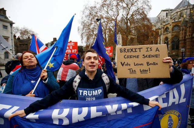 Người Anh xuống đường vì Brexit trước giờ G - Ảnh 9.