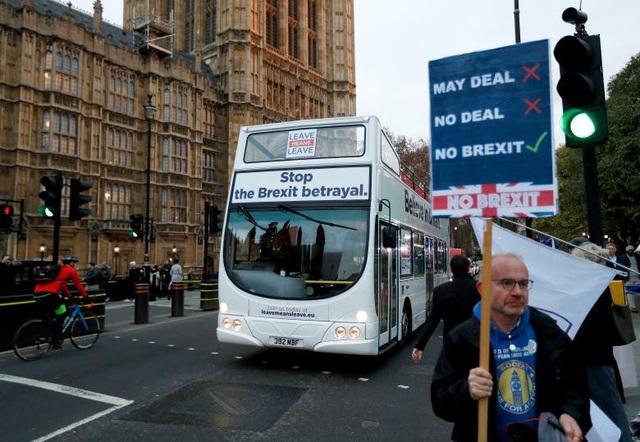Người Anh xuống đường vì Brexit trước giờ G - Ảnh 14.