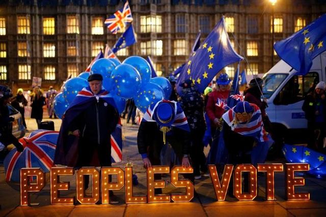 Người Anh xuống đường vì Brexit trước giờ G - Ảnh 22.