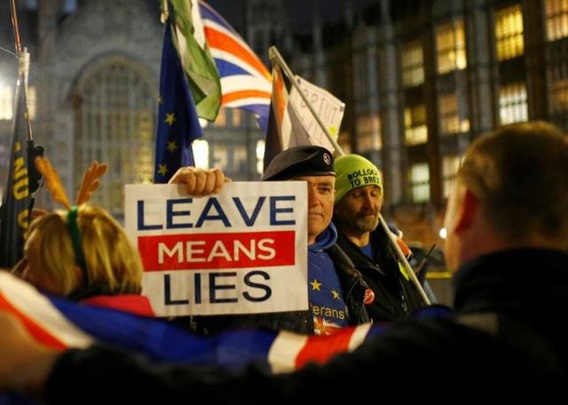 Người Anh xuống đường vì Brexit trước giờ G - Ảnh 13.