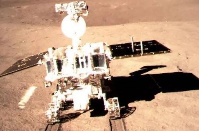"""Tàu vũ trụ Trung Quốc đổ bộ vùng tối của Mặt Trăng để tìm nhiên liệu """"liên hành tinh""""?  - Ảnh 1."""
