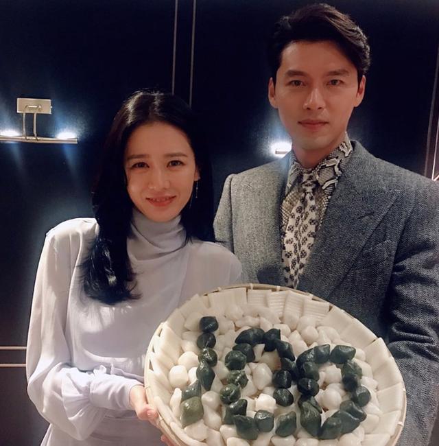 Rộ tin mỹ nam Hyun Bin và chị đẹp Son Ye Jin hò hẹn, fan mừng rỡ chúc phúc - Ảnh 2.