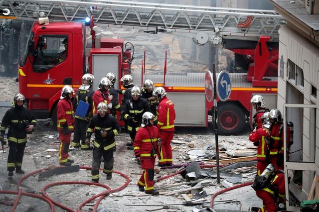 Cảnh tượng đổ nát sau vụ nổ khiến 4 người chết tại Paris - Ảnh 5.