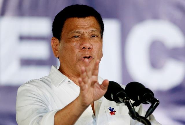 """Tổng thống Philippines tuyên bố """"cự tuyệt"""" vũ khí Mỹ - Ảnh 1."""
