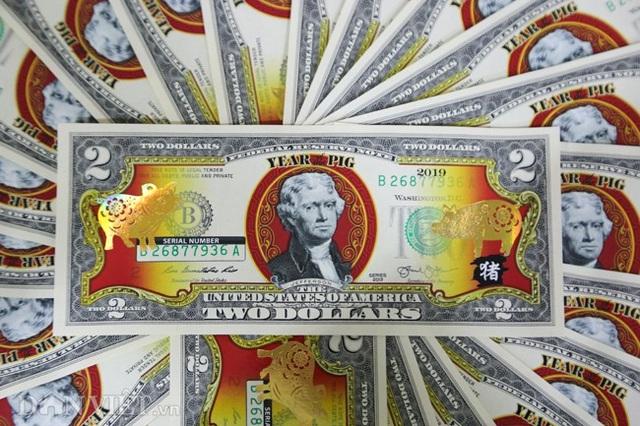Tiền 2 USD in hình con heo đắt như tôm tươi trước Tết Kỷ Hợi 2019 - Ảnh 4.