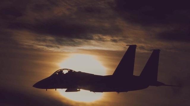 Sân bay Syria bị tấn công tên lửa trong đêm - Ảnh 1.