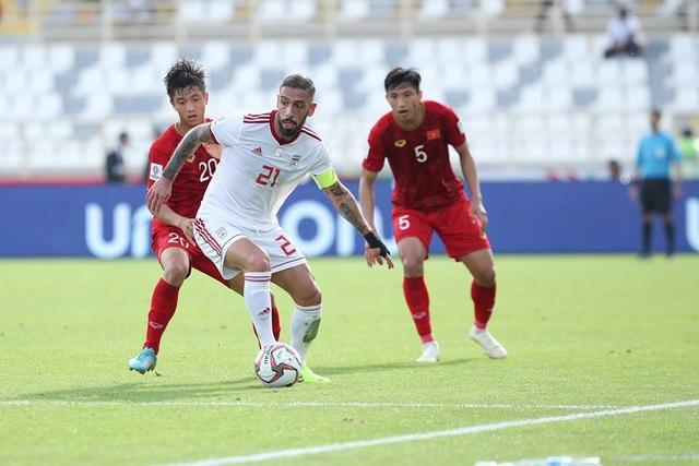 Những khoảnh khắc thi đấu kiên cường của đội tuyển Việt Nam trước Iran - Ảnh 12.