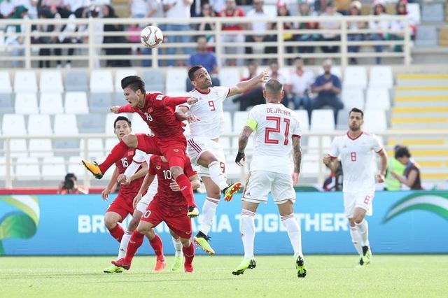 Những khoảnh khắc thi đấu kiên cường của đội tuyển Việt Nam trước Iran - Ảnh 9.