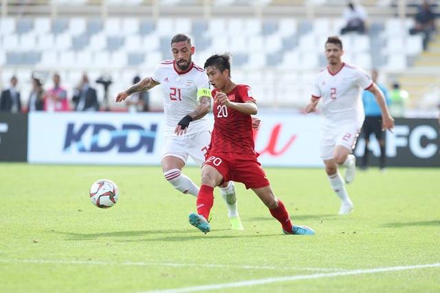 Những khoảnh khắc thi đấu kiên cường của đội tuyển Việt Nam trước Iran - Ảnh 8.