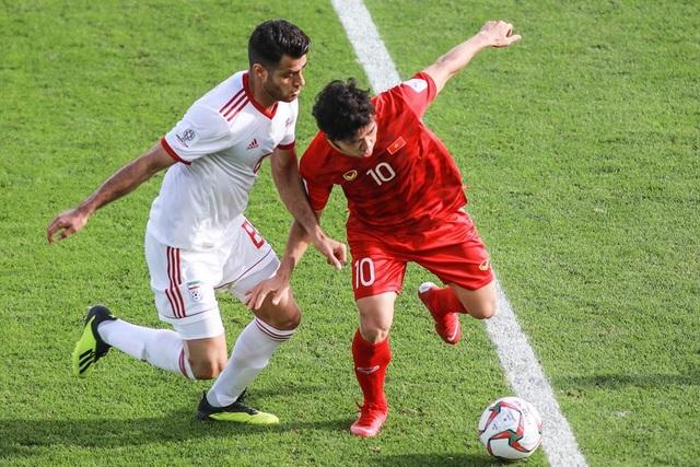 Những khoảnh khắc thi đấu kiên cường của đội tuyển Việt Nam trước Iran - Ảnh 5.