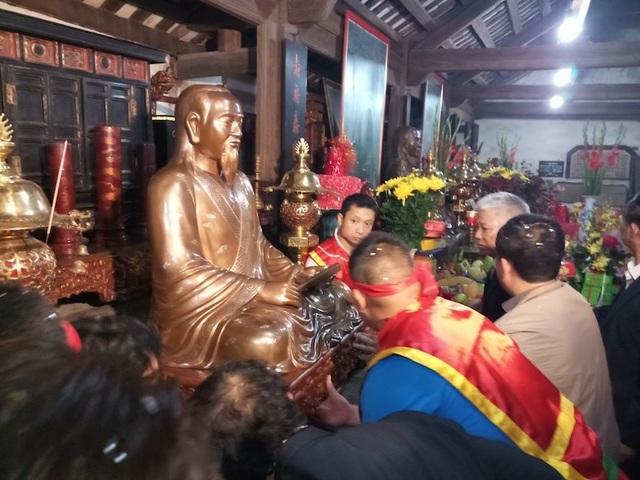 Long trọng tưởng niệm 345 năm ngày sinh và trao tượng đồng danh nhân Nguyễn Quý Ân - Ảnh 1.