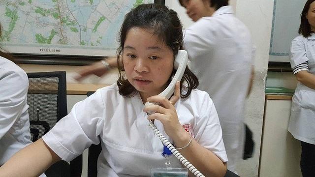 Nhân viên trực tổng đài bật khóc sau cuộc gọi của một người đàn ông - Ảnh 1.