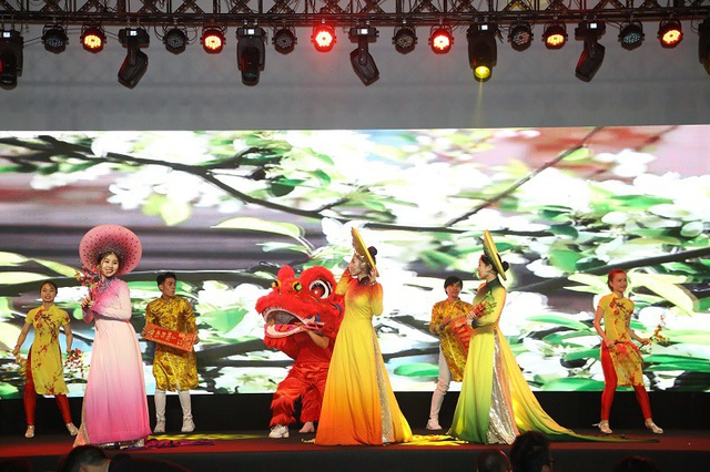 Sunshine City Sài Gòn hút khách trong cơn khát bất động sản cuối năm - Ảnh 3.