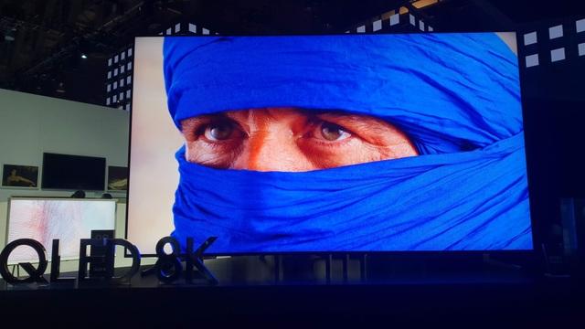 Xem TV 8K: Mắt nhìn nhưng bộ não mới nhìn thấy - Ảnh 1.