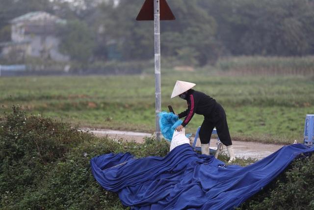 Hà Nội: Người dân mở cửa, thông đường vào bãi rác Nam Sơn - Ảnh 4.