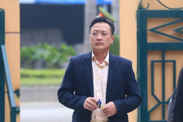 Xử vụ chạy thận tử vong: Bác sĩ Hoàng Công Lương không chắc chắn về sức khỏe của mình - Ảnh 2.
