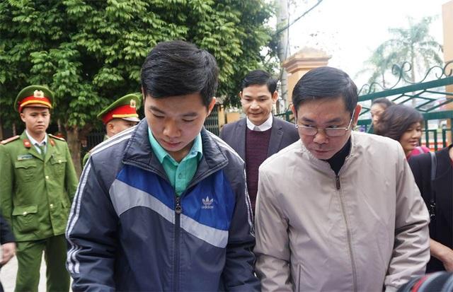 Xử vụ chạy thận tử vong: Bác sĩ Hoàng Công Lương không chắc chắn về sức khỏe của mình - Ảnh 3.