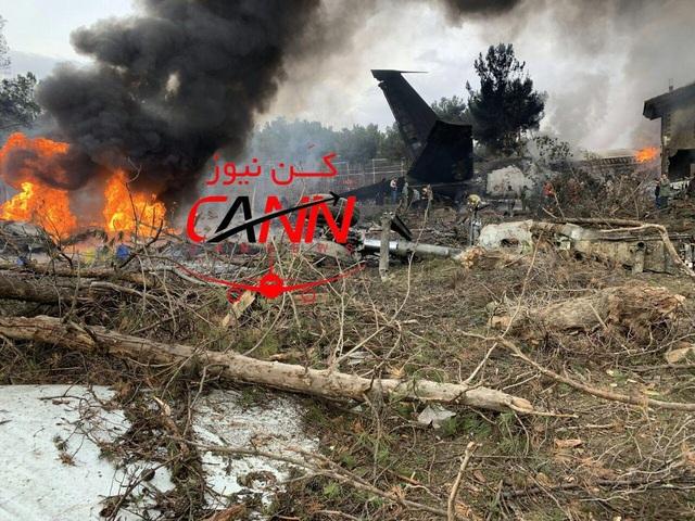 Rơi máy bay Boeing 707 ở Iran, 15 người thiệt mạng - Ảnh 2.