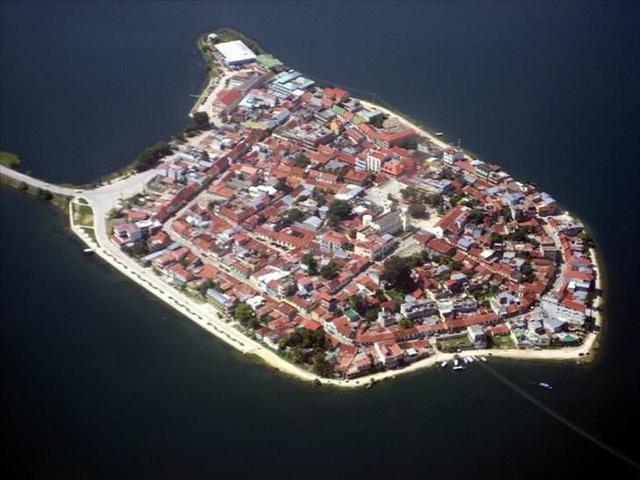 10 thành phố đảo nổi tiếng thế giới - Ảnh 7.