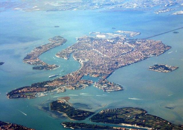 10 thành phố đảo nổi tiếng thế giới - Ảnh 10.