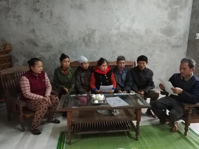 Hàng loạt công nhân lâm trường Sông Đà kêu cứu đòi đất! - Ảnh 1.