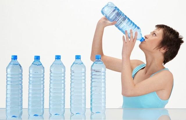 5 lý do khiến bạn lúc nào cũng khát - Ảnh 1.