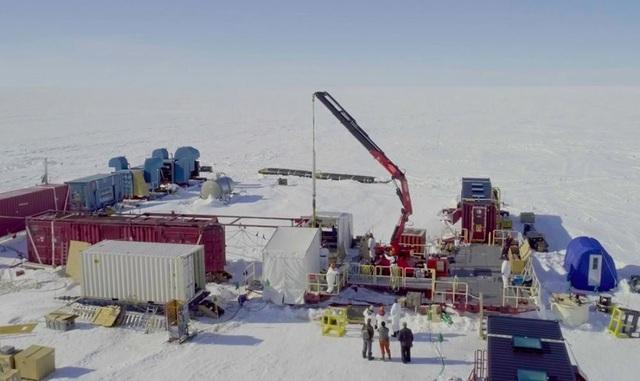Phát hiện sự sống mới dưới lớp băng dày hàng km ở Nam Cực  - Ảnh 2.