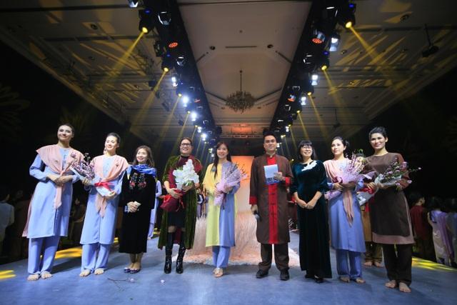 Thiên Hương diện trang phục cô dâu của Thiện Phát Design - Ảnh 1.