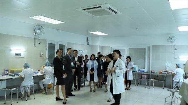 """Bệnh viện phụ sản Hà Nội tổ chức hội nghị quốc tế Gây mê hồi sức sản phụ khoa"""" - Ảnh 1."""