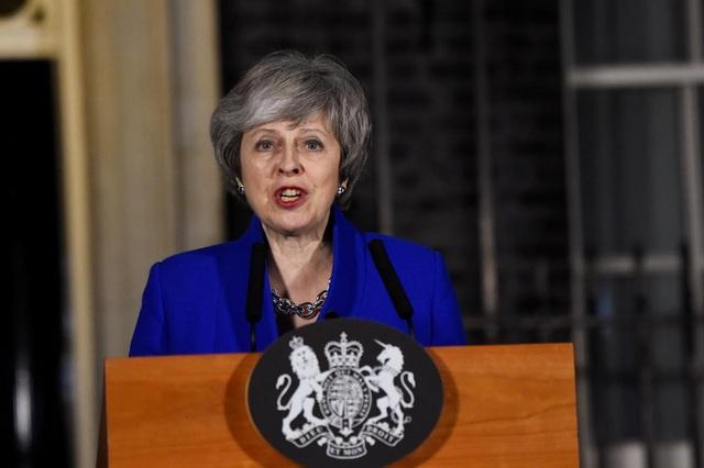 Thủ tướng Anh vượt qua bỏ phiếu bất tín nhiệm, tiếp tục đối mặt khủng hoảng Brexit - Ảnh 1.