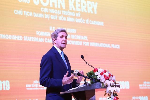 Cựu Ngoại trưởng Mỹ John Kerry: Việt Nam không nên là tù nhân của năng lượng than - Ảnh 1.