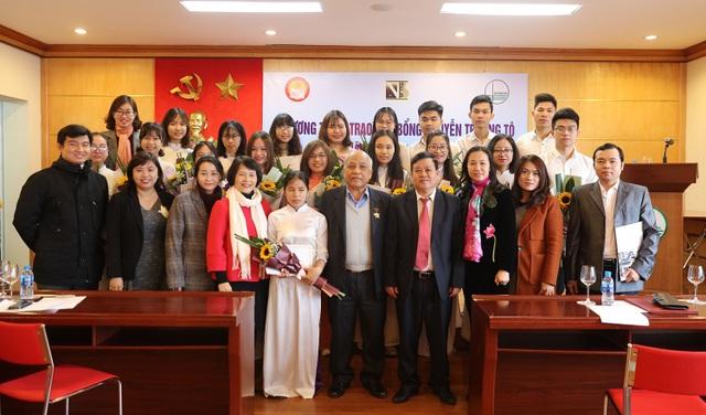 Quỹ Khuyến học Việt Nam trao học bổng Nguyễn Trường Tộ đến nhiều trường đại học ở Thủ đô - Ảnh 10.