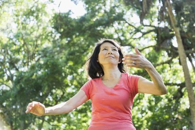 Những cách điều trị bệnh Parkinson không dùng thuốc - Ảnh 1.