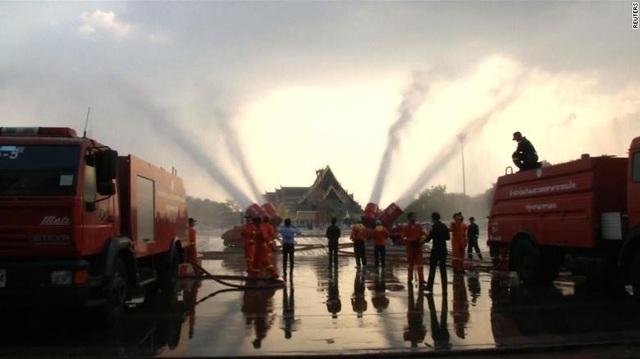 """Nhiều thành phố ở châu Á """"nghẹt thở"""" vì bụi mịn và khói độc - Ảnh 1."""