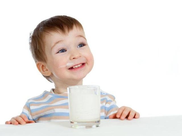 """""""Mách"""" mẹ cách chọn sữa tốt nhất cho con theo từng độ tuổi - Ảnh 2."""