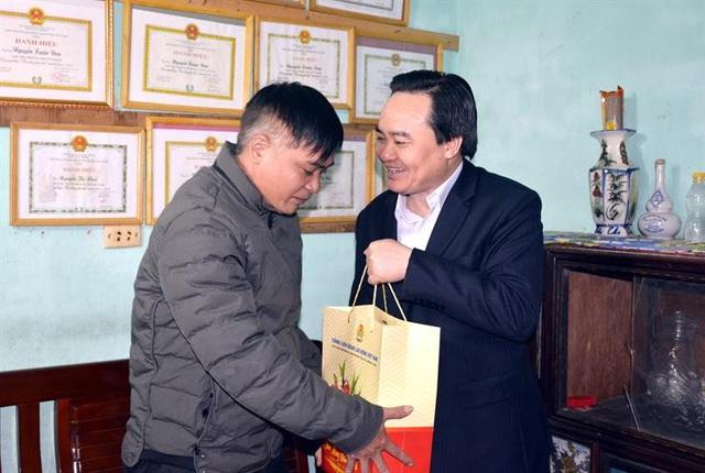 Bộ trưởng Phùng Xuân Nhạ: Sẽ sửa quy định thi giáo viên giỏi - Ảnh 2.