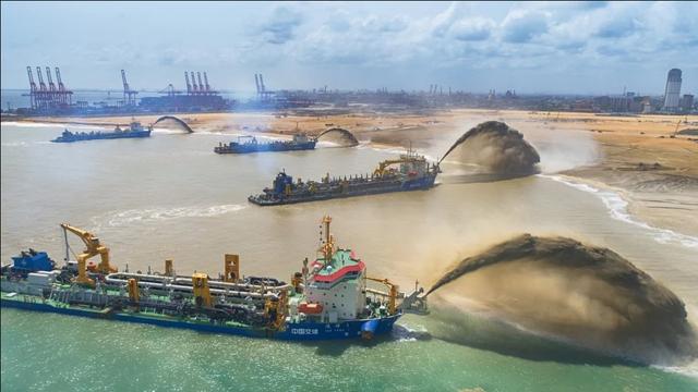 Sri Lanka tính vay Trung Quốc 300 triệu USD để trả nợ - Ảnh 1.