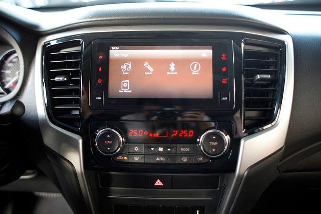 Mitsubishi Triton 2019 ra mắt tại Việt Nam, giá từ 730,5 triệu đồng - Ảnh 8.